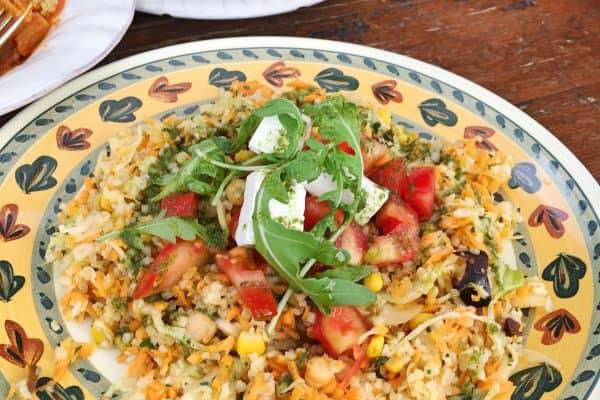 Essen im Humus Bio Bistro: Tahin, Humus und Auberginenpaste