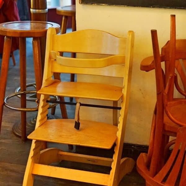 Café Freysinn Köln Mami-Auszeit kinderfreundliches Cafe Kinderstuhl