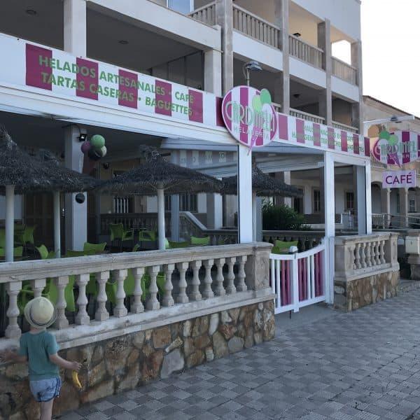 Cardinelli Sa Rapita Eisladen Mallorca mit Kindern am Strand