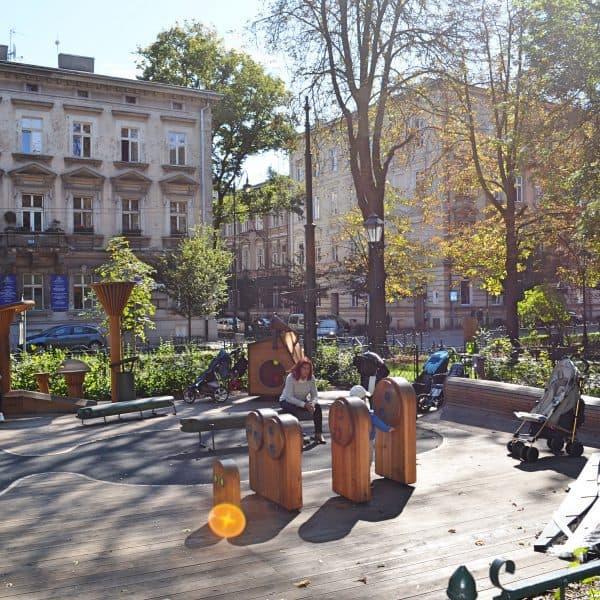 Krakau Spielplatz Plac zabaw Spielgeräte