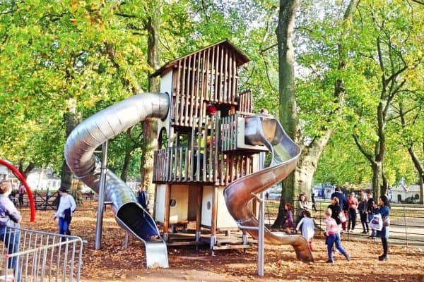 LONDON Coram's Fields playground outdoor Streichelzoo Spielplatz