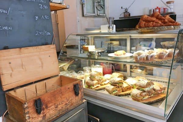 München Cafe Benko kinderfreundlich Spielecke Cafe für Familien Cafe mit Kind
