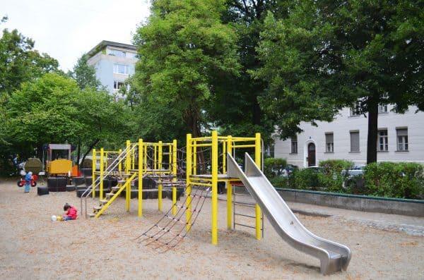 m nchen outdoor spielplatz p ndterplatz recommended. Black Bedroom Furniture Sets. Home Design Ideas