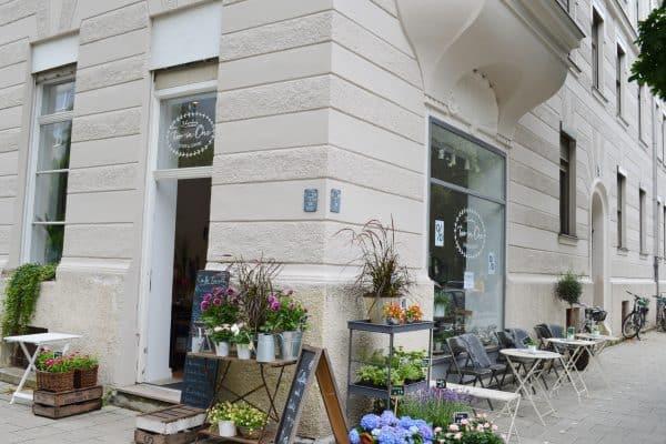 München Outdoor Spielplatz Pündterplatz Cafe Two in One
