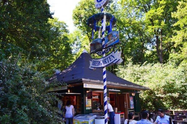 Spielplatz München Englischer Garten Milchhäusl Biergarten kinderfreundlich