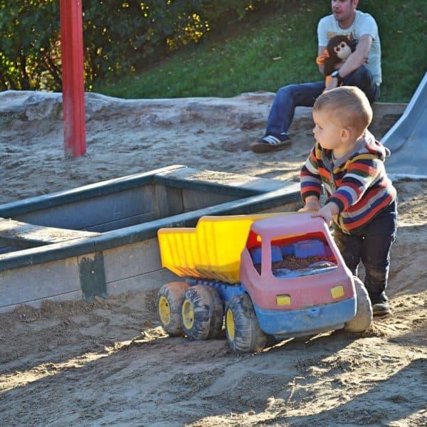München Waldtierpark Aying, Familienausflug, Ausflug mit Kindern Bergtierpark, Spielplatz Kleinkinder