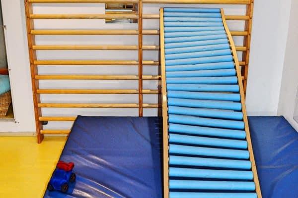 München kleine Sportgeister Turncafe Indoor Klettergerüst