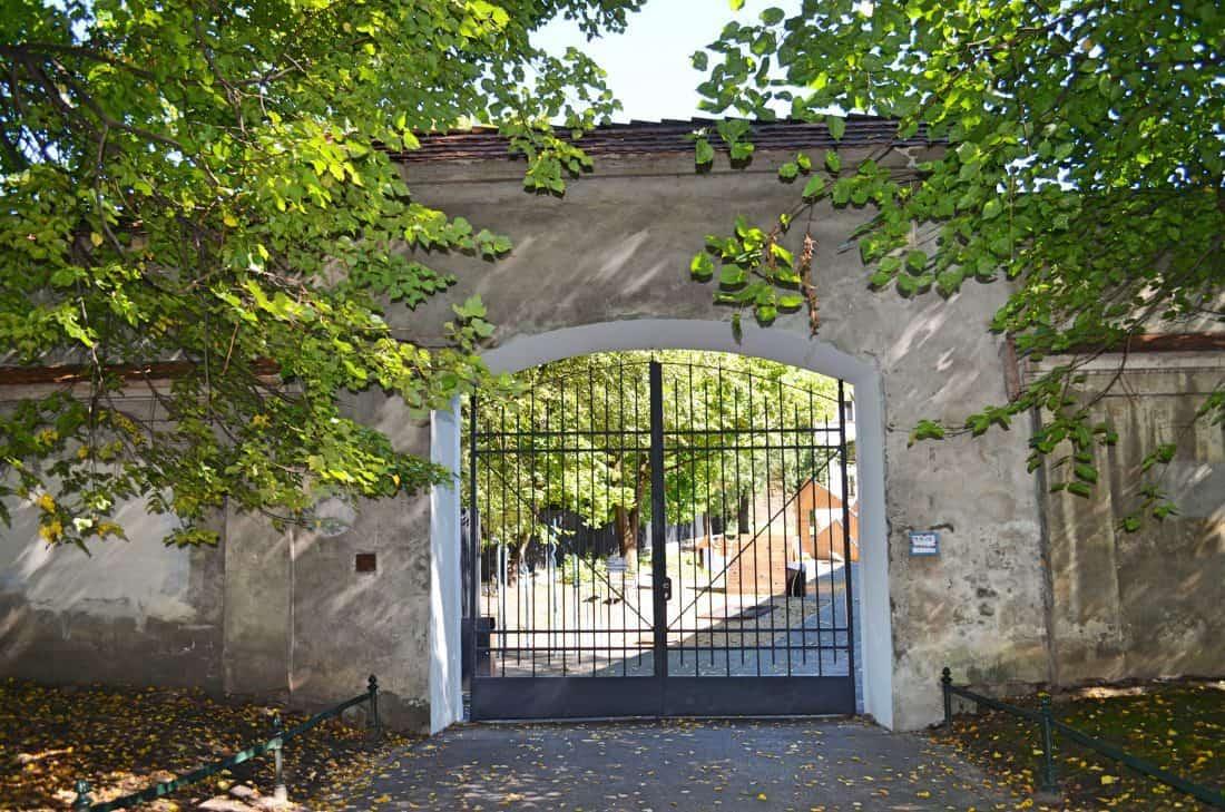 krakau outdoor spielplatz im arch ologischen garten recommended by the urban kids. Black Bedroom Furniture Sets. Home Design Ideas