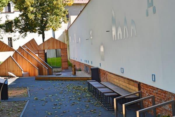 Sitzplatz Kinderspielplatz Archäologischer Garten