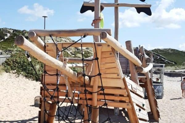 Sansibar Sylt Spielplatz Piratenschiff