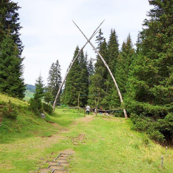 Seiser Alm Dolomiten Wanderweg mit Kindern Spielplatz und Streichelzoo