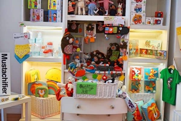 Sabas Geschäft für Kinderspielzeug und Kinderkleidung
