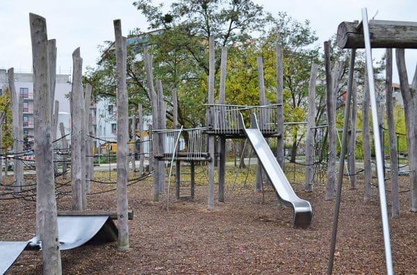 berlin outdoor spielplatz im park am gleisdreieck. Black Bedroom Furniture Sets. Home Design Ideas