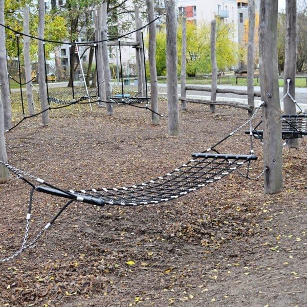 Berlin mit Kind Park am Gleisdreieck Spielplatz Abenteuerspielplatz