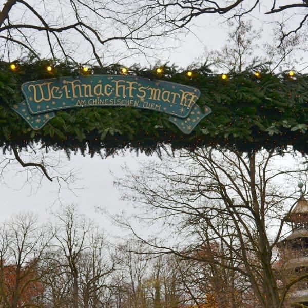 Chinesischer Turm Englischer Garten München mit Kind Weihnachtsmarkt mit Kind München Omas Geschichtenstall Weihnachtsgeschichten für Kinder Weihnachtsgebäck Weihnachtsplätzchen Opas Schreinerstadl
