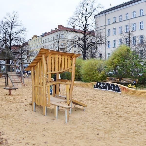 Weserstraße Moderner Spielplatz neuer Spielplatz Berlin mit Kindern