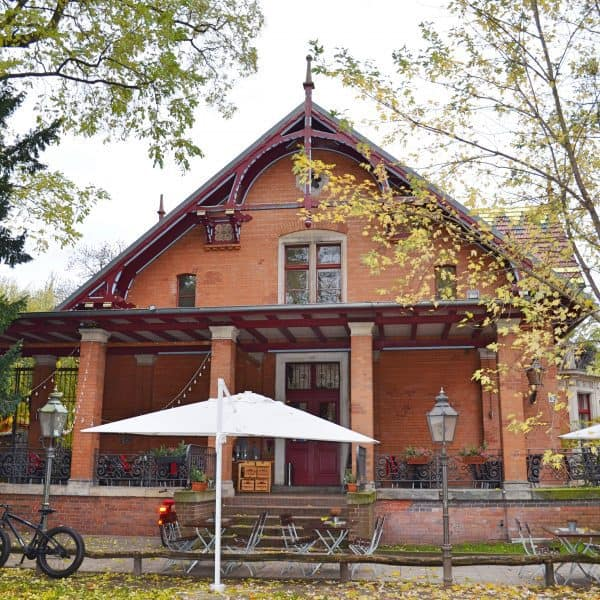 Viktoria Park Berlin mit Kind Spielplatz Tiergehege Familienbrunch Tomasa Villa Kreuzberg