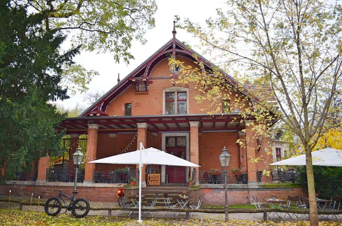 KINDERFREUNDLICHES RESTAURANT TOMASA VILLA KREUZBERG IN BERLIN