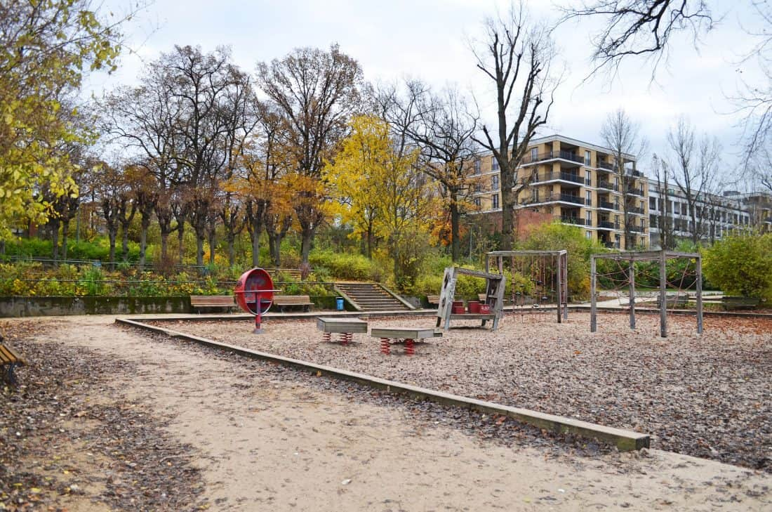berlin outdoor spielplatz im viktoriapark. Black Bedroom Furniture Sets. Home Design Ideas