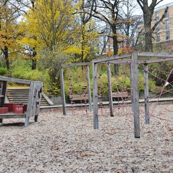 Viktoriapark Berlin mit Kind Spielplatz Streichelzoo Familienbrunch Familienrestaurant Brunch mit Kindern