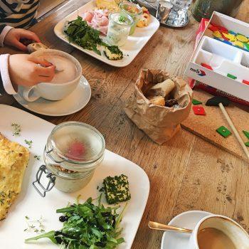 München mit Kind Waldmeister kinderfreundliches Café familienfreundliches Restaurant in München