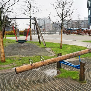 hamburg outdoor spielplatz grasbrook recommended by the urban kids. Black Bedroom Furniture Sets. Home Design Ideas