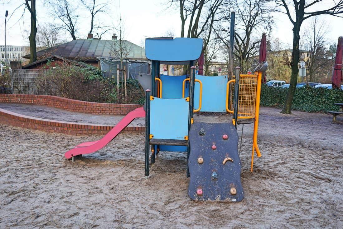 Spielplatz Goldberkplatz, Kinderspielplatz, Kleinkindbereich, Hamburg mit Kind