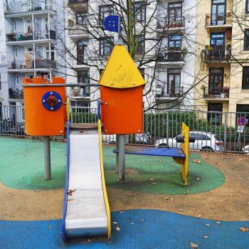 Spielplatz Schinkelstraße, Kinderspielplatz in Winterhude, Kleinkindbereich