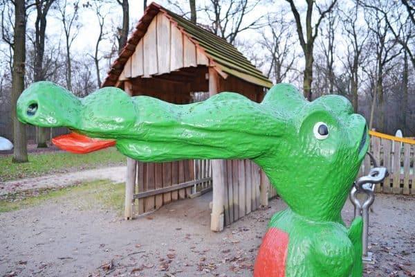 Heinrich Kraft Park Frankfurt mit Kind schönster Spielplatz