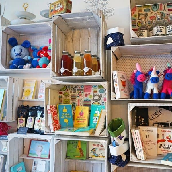 Cafe kitchen2soul in München Neuhausen, Spielkiste für Kinder, Kinderbücher, Coaching, persönliche Weiterentwicklung