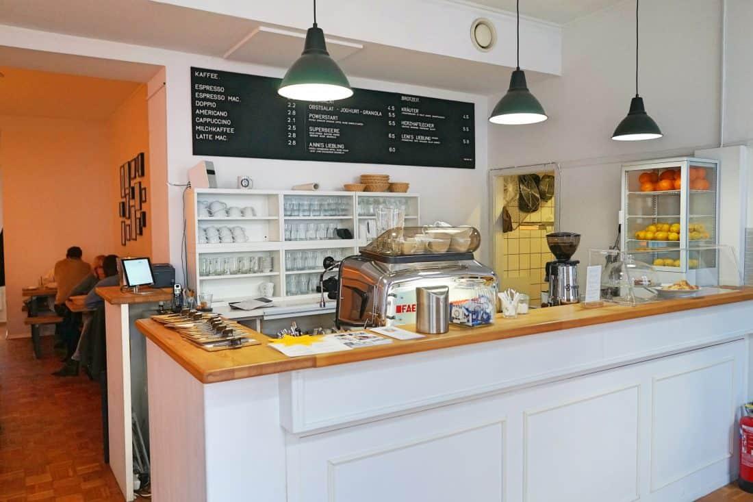KINDERFREUNDLICHES CAFÉ A.NNI IN DÜSSELDORF