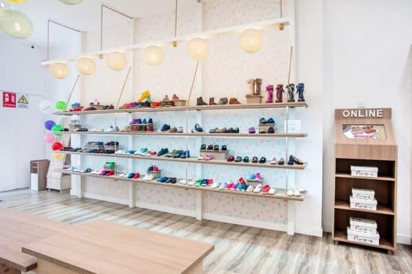 new product 879ed 8e265 Kids shoe store Barcelona - Pisamonas