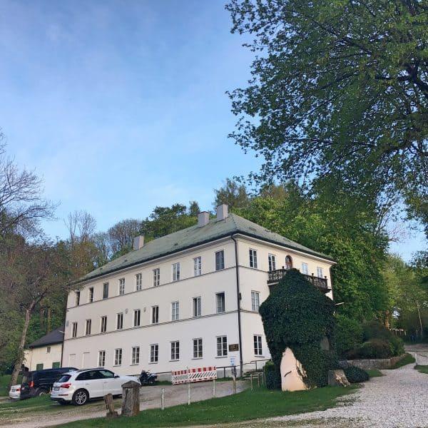 kinderfreundlicher Biergarten Schlosswirtschaft Mariabrunn mit Spielplatz
