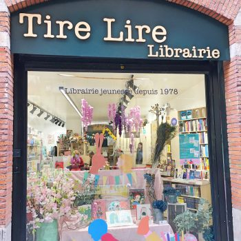Tire Lire children bookshop in toulouse with kids