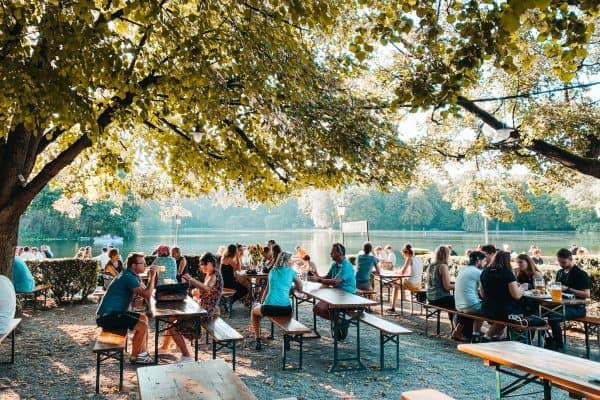 familienfreundliche Biergarten mit Spielplatz in München mit Kindern