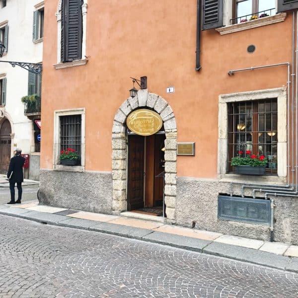 Nice café Cafeteria AL Duomo in Verona Italy close to Lake Garda