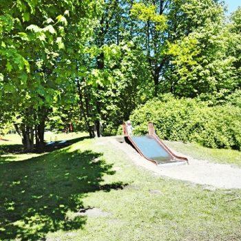 Spielplatz Stellinger Schweiz in Hamburg nahe Hagenbecks Tierpark, mit Seilbahn und Picknick Möglichkeiten