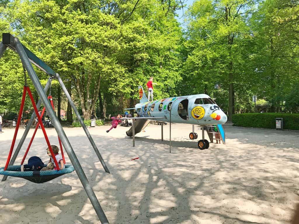 Spielplatz für Kleinkinder in Münster an der Promenade, Kreuzviertel, Flugzeugspielplatz