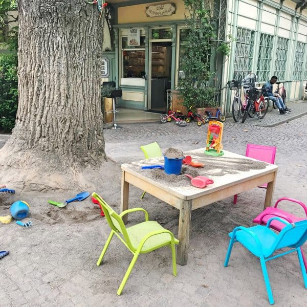 kinderfreundliches Café Wandelhalle in Meran Italien, children-friendly café in Merano Italy