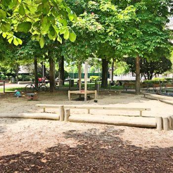 Spielplatz Esterhazypark in Wien, Schaukel, Nestschaukel, Rutsche, Sandkiste