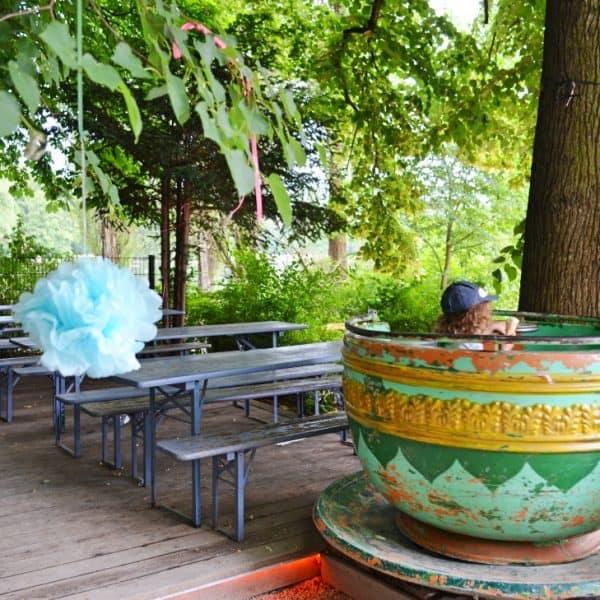 Bar am See im Englischen Garten Biergarten mit Spielplatz in München