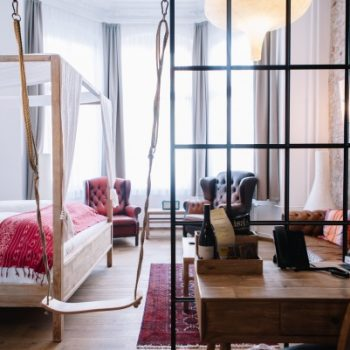 LULU Guldsmeden kinderfreundliches Hotel Berlin Hotelzimmer mit Schaukel