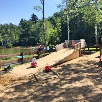 Kleines Seehaus am Starnbergersee mit Kindern mit Spielplatz