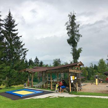 Grander Schupf St. Johann mit Kind Alm mit Spielplatz