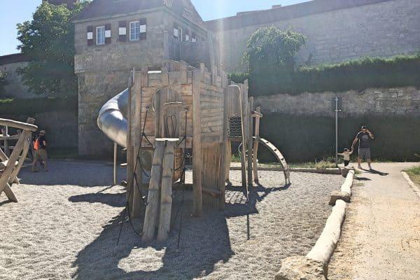 Spielplatz Hornburgweg Rothenburg ob der Tauber mit Kind