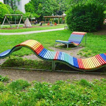 Spielplatz, Alfred-Grünwald-Park neben dem Naschmarkt in Wien, Kinderspielplatz, Kleinkindbereich, Fußballplatz, recommended by the urban kids