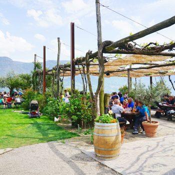 Kinderfreundlicher Gasthof Haidenhof in Marling in Italien mit Spielplatz, kidsfriendly Restaurant with playground, recommended by the urban kids