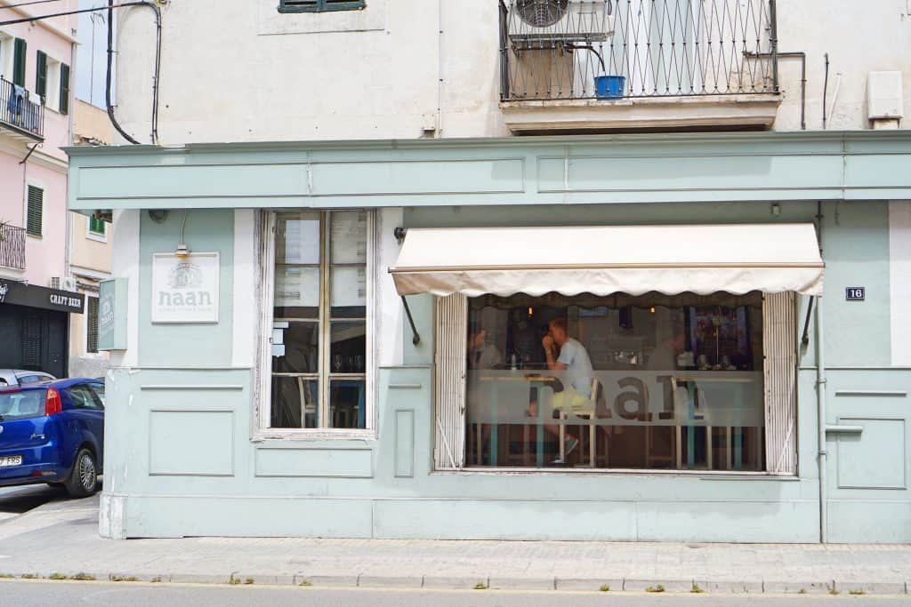 Street Food Restaurant Naan in Palma de Mallorca, Spain, kinderfreundlich, children-friendly