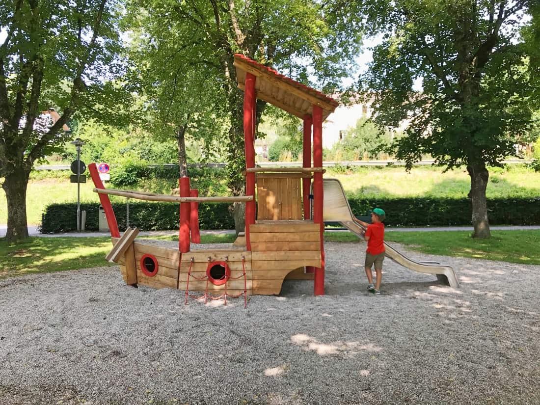 Klettergerüst Spielplatz : Spielplatz am starnberger see recommended by the urban kids