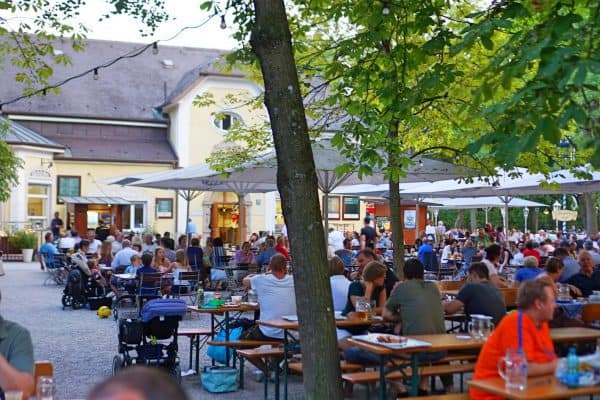 Kinderfreundlicher Biergarten Taxisgarten in München Neuhausen Nymphenburg